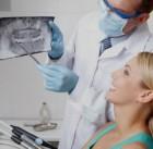 Implantologas ir pacientas